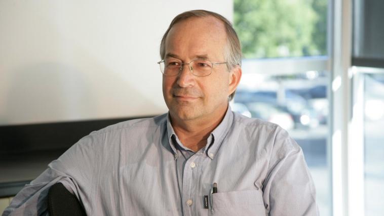 eBay stellt Jan Pedersen als Chief Scientist KI ein.